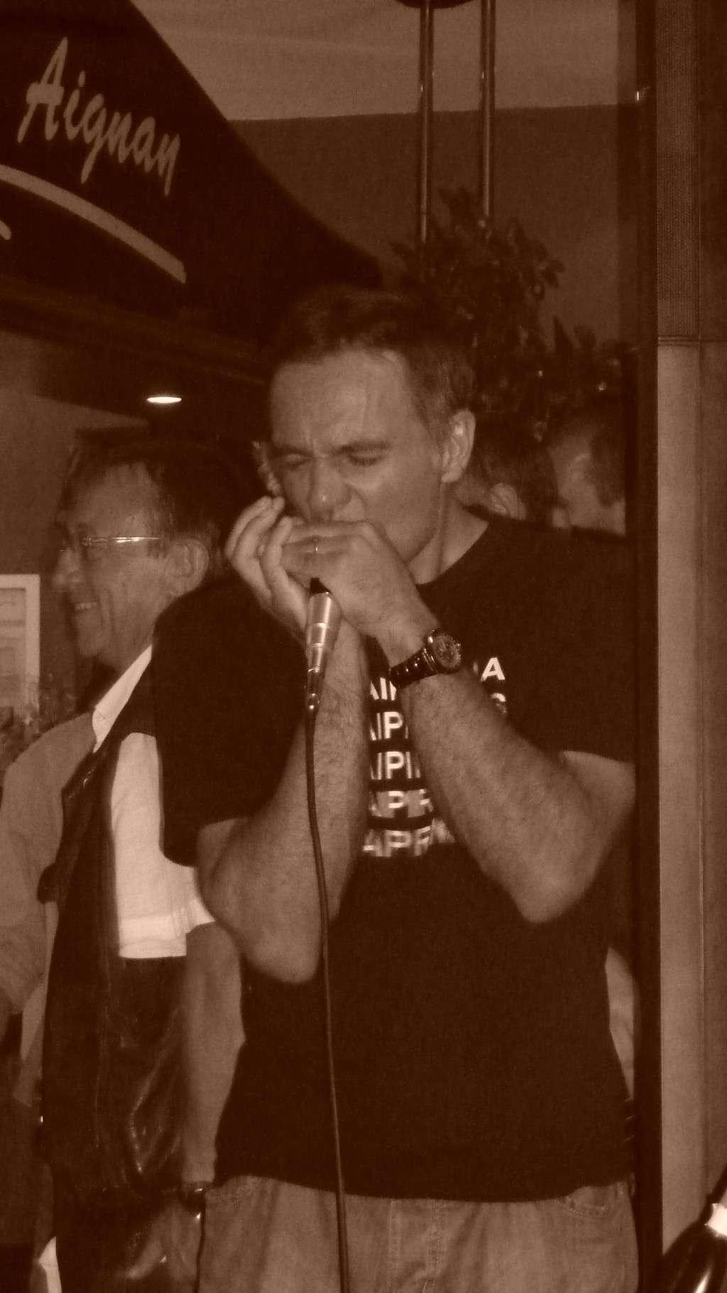 racontez moi votre festival Harmonicas sur cher ! P1010511