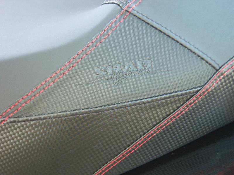 "Selle pour Piaggio Mp3 ""style shad"" 100_1112"