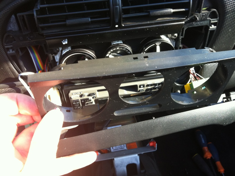Installation d'un Autoradio Double Din GPS Universel AS8101 [Dispo ICI !] - Page 4 Img_1315