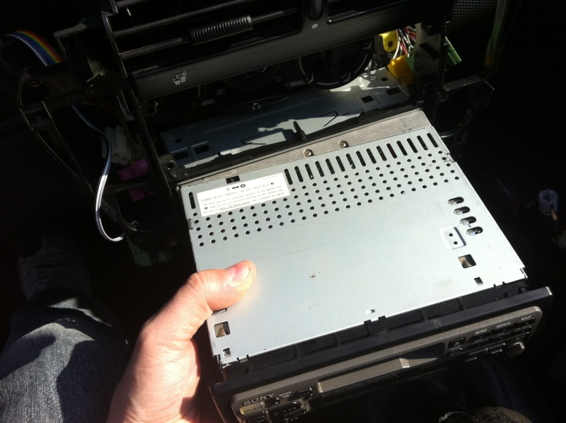 Installation d'un Autoradio Double Din GPS Universel AS8101 [Dispo ICI !] - Page 4 Img_1411