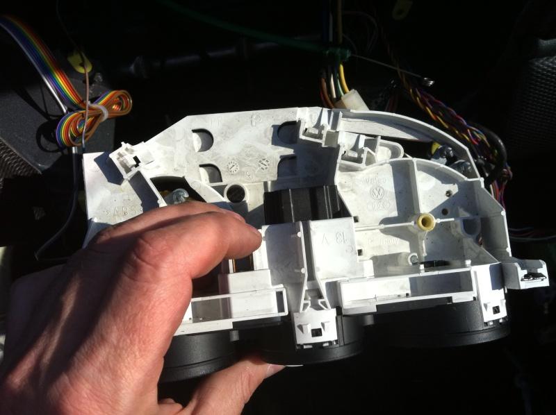 Installation d'un Autoradio Double Din GPS Universel AS8101 [Dispo ICI !] - Page 3 Img_1422