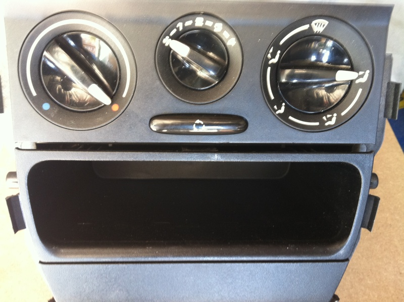 Installation d'un Autoradio Double Din GPS Universel AS8101 [Dispo ICI !] - Page 4 Img_1442