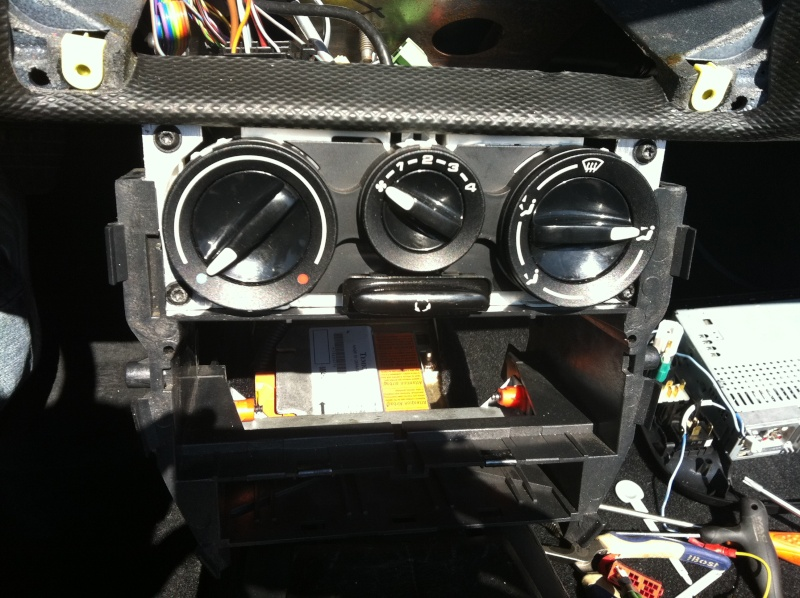 Installation d'un Autoradio Double Din GPS Universel AS8101 [Dispo ICI !] - Page 3 Img_1443