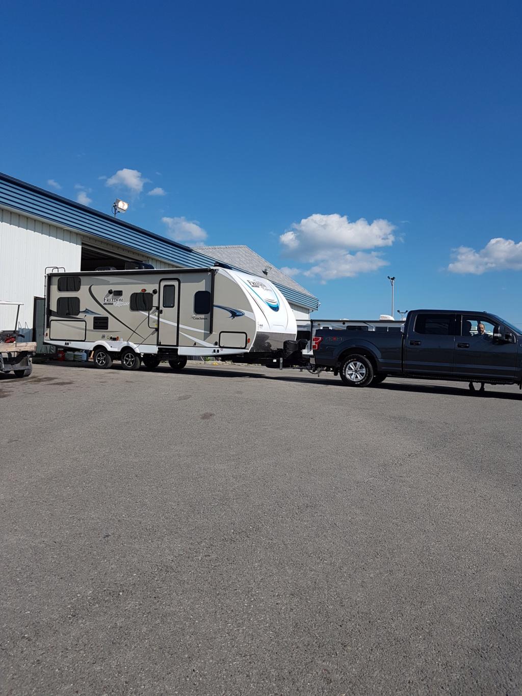 En attente de camping  04910