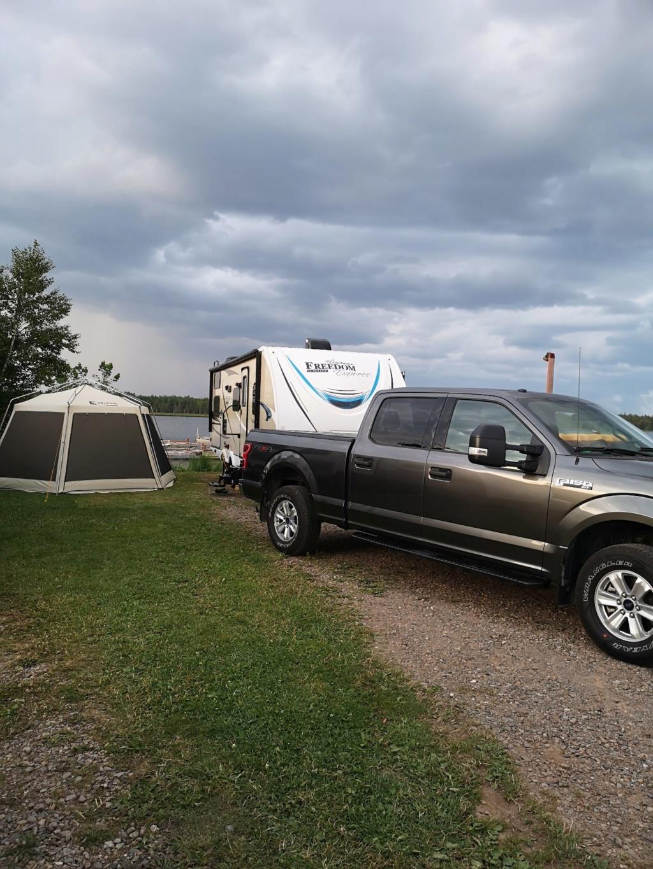 En attente de camping  Img_2010
