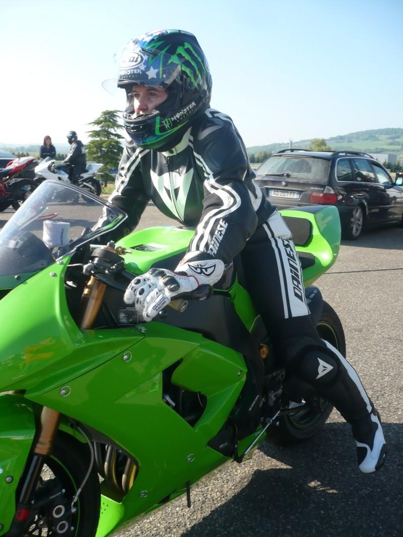 Les filles et la moto... 20138910