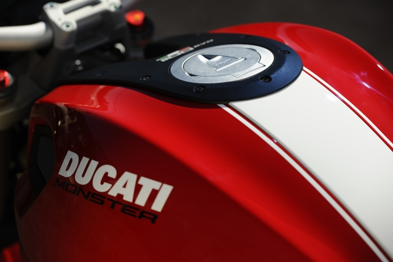 Monster 1100 - Page 2 Ducati10