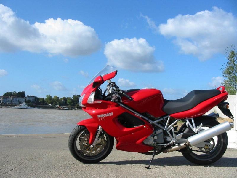 P'têt fait n'connerie... Mais non. J'pense pas... Ducati14
