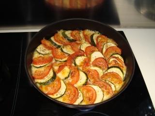 Tian tomates courgettes et mozzarella - Page 3 Dsc05911