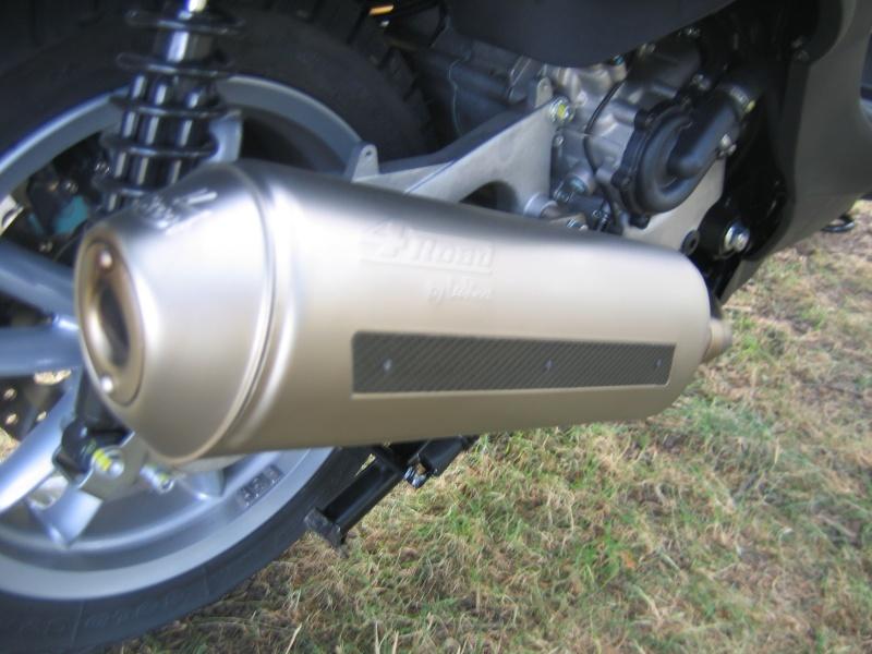 Protection de pot sur 4Road Leovince pour Piaggio Mp3 Img_0810
