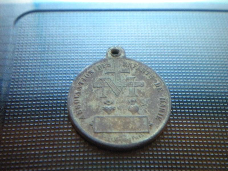 medaille association des enfants de marie Dscn4037