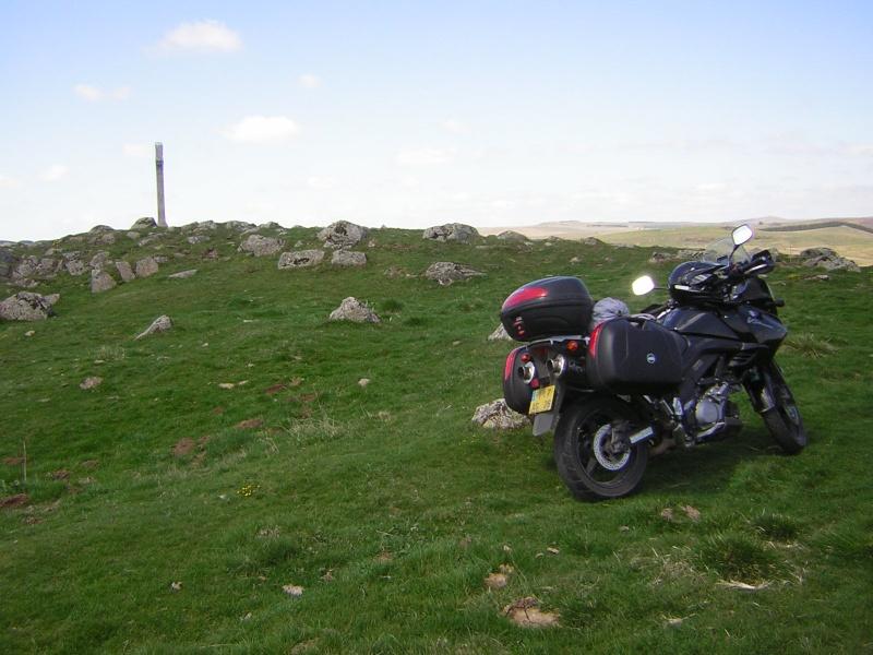 Vos plus belles photos de motos - Page 4 Dscn1010