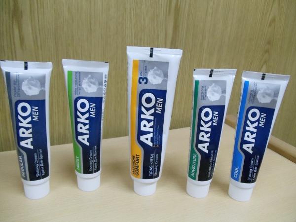 Le topic Arko (savon & crèmes) - Page 3 Arko_c10