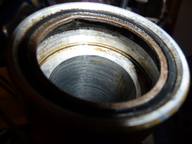 Joint de fourche sur 125 de 82, c'est pas comme sur la RT? Joint_15