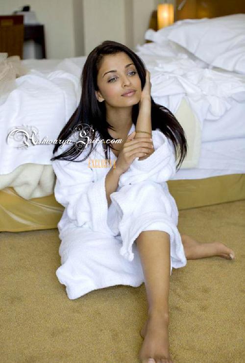 Aishwarya Rai Bachchan - Page 7 12801510