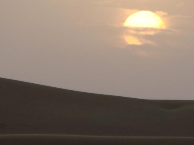 [nos beaux pays : la France, le Maroc et .....  le Monde] Couchers de soleil - Page 6 File0211