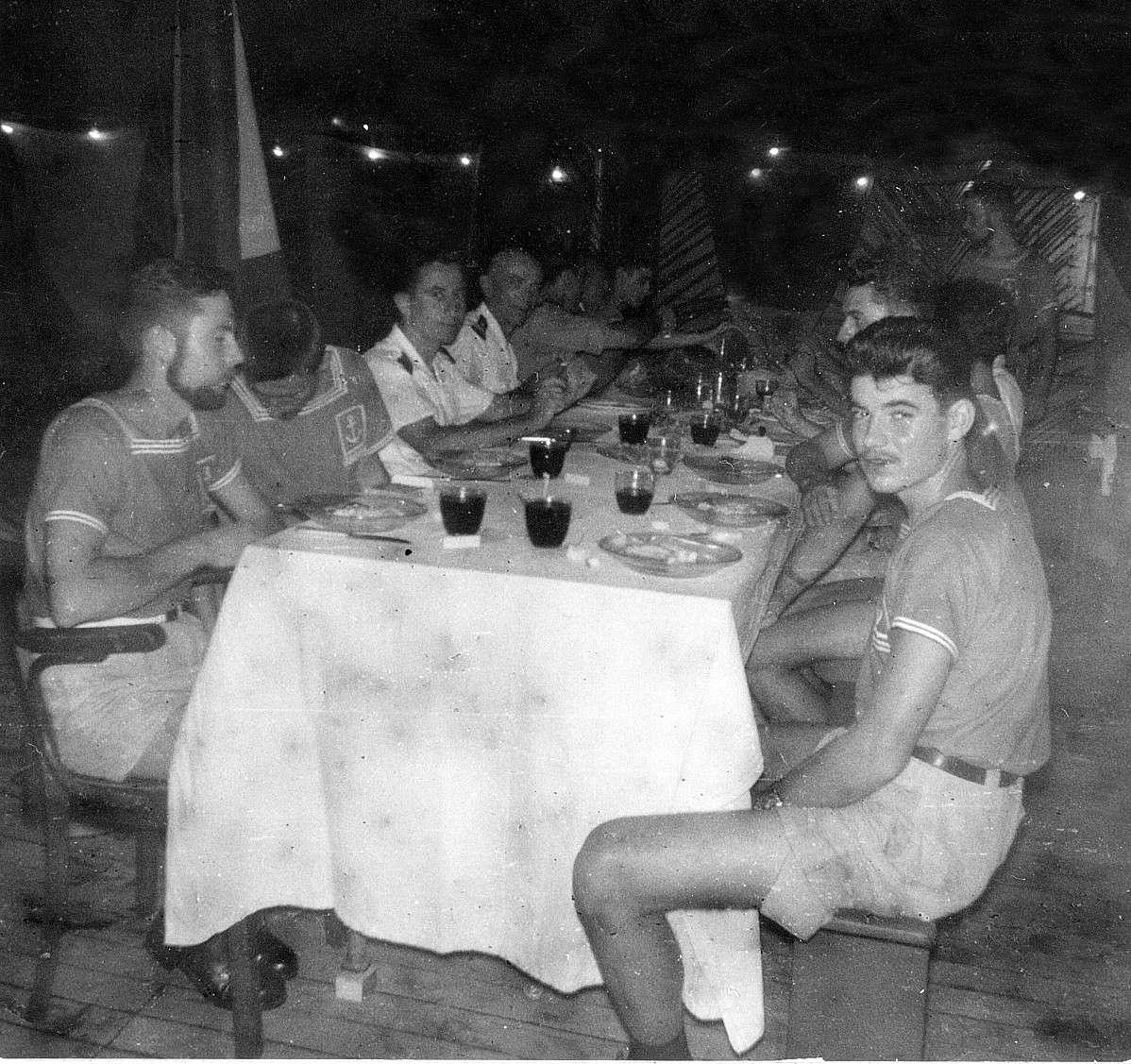 COMMANDANT ROBERT GIRAUD (AVISO) - Page 2 Jour_d11