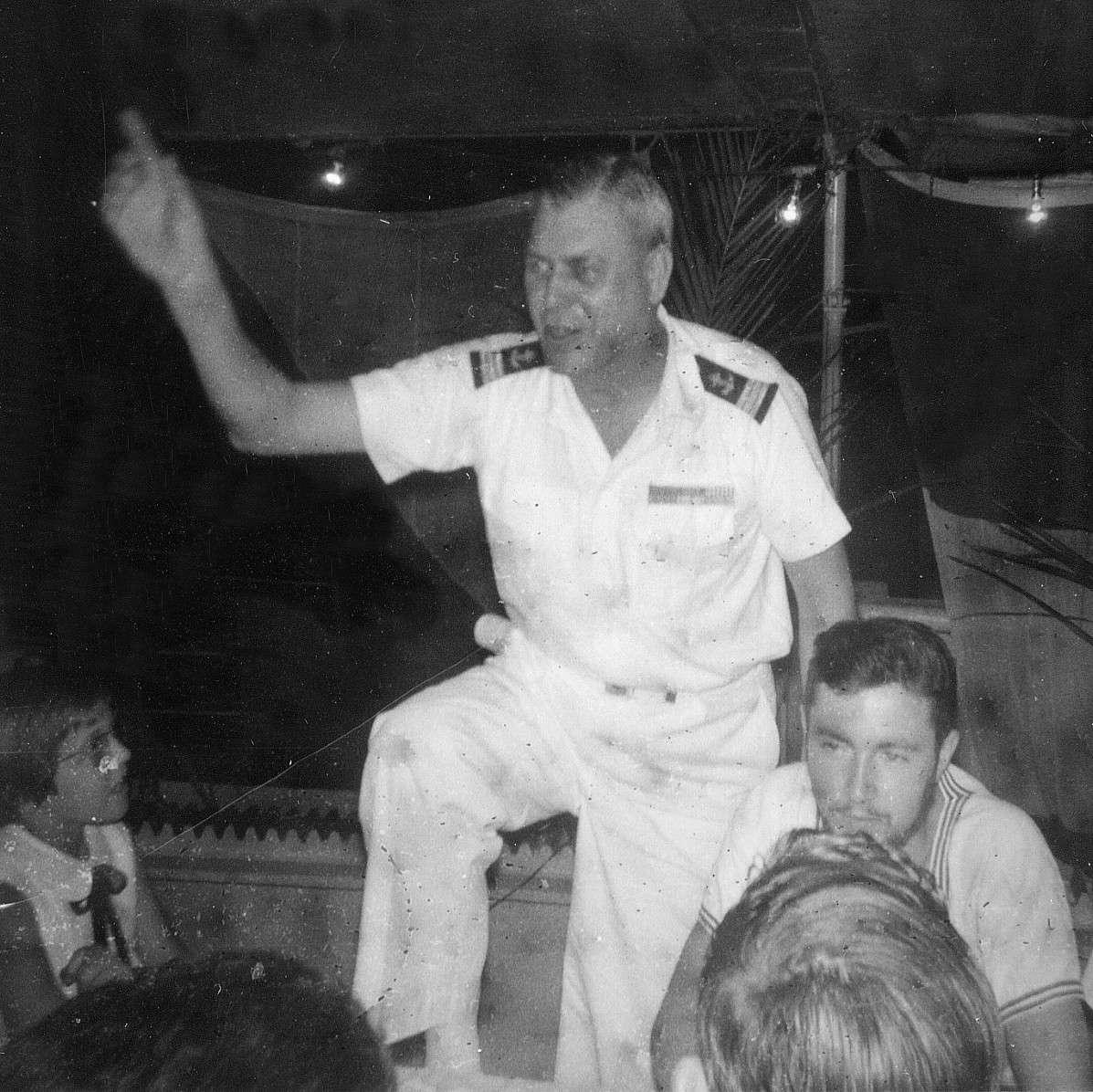 COMMANDANT ROBERT GIRAUD (AVISO) - Page 2 Jour_d14