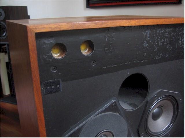 JBL 4311 B ...Doute et réparation Badwor11