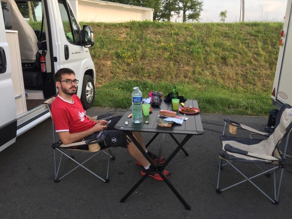Trois jours de roulage à Nogaro avec Monsieur mon fils. Img_4714