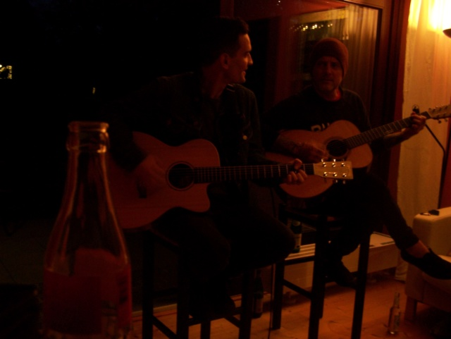 Rankers and Rotters presents: Intimate House Shows with Dave & Tim Hause (Richmond, Hamburg, Vienna) 100_4710