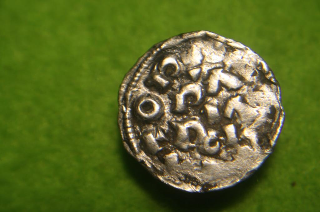 Denaro di Pavia pour Henri (Enrico) II di Franconia 1056-1106 à Pavie Img_3113