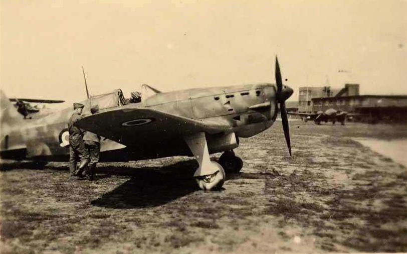 Morane Saulnier MS410 non identifé - Villacoublay - Juin 1940 - Maquette AZUR 1/72 Ms_41011
