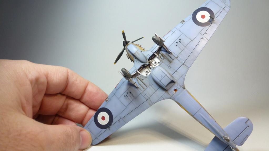 (Arma Hobby) Hurricane Mk I trop - RAF Sq 73 - 1/72 P1070720