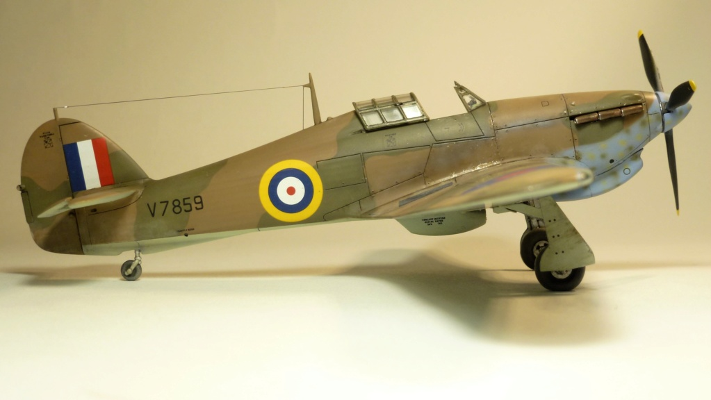 Hurricane MkI V7859 - Sq73 - ARMA HOBBY - 1/72 - james DENIS P1070916