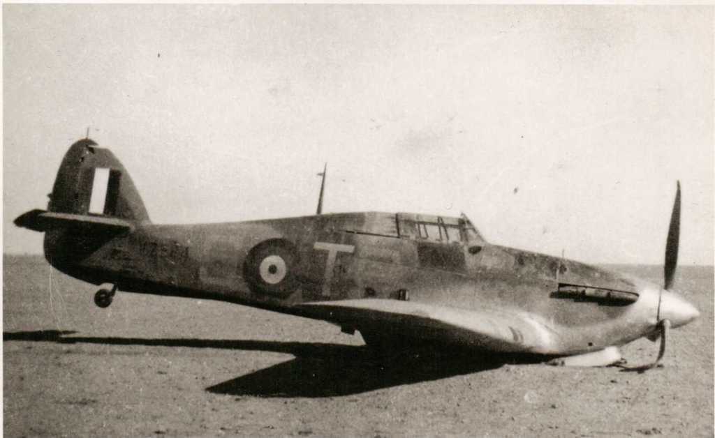[ARMA HOBBY] Hurricane Mk I metal wing 1/72 -- 73sq Flight B James DENIS (FINI) - Page 8 V7544_10