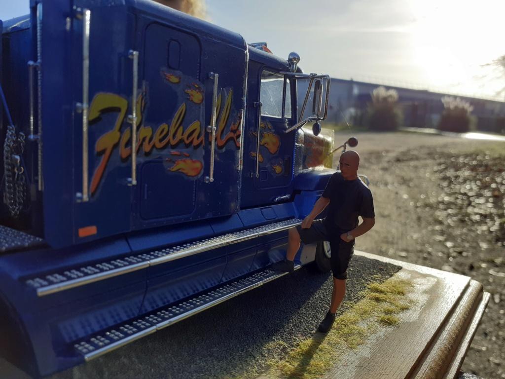 Fil rouge 2019 : Freightliner FLD120 *** Terminé en pg 3 - Page 3 20200111