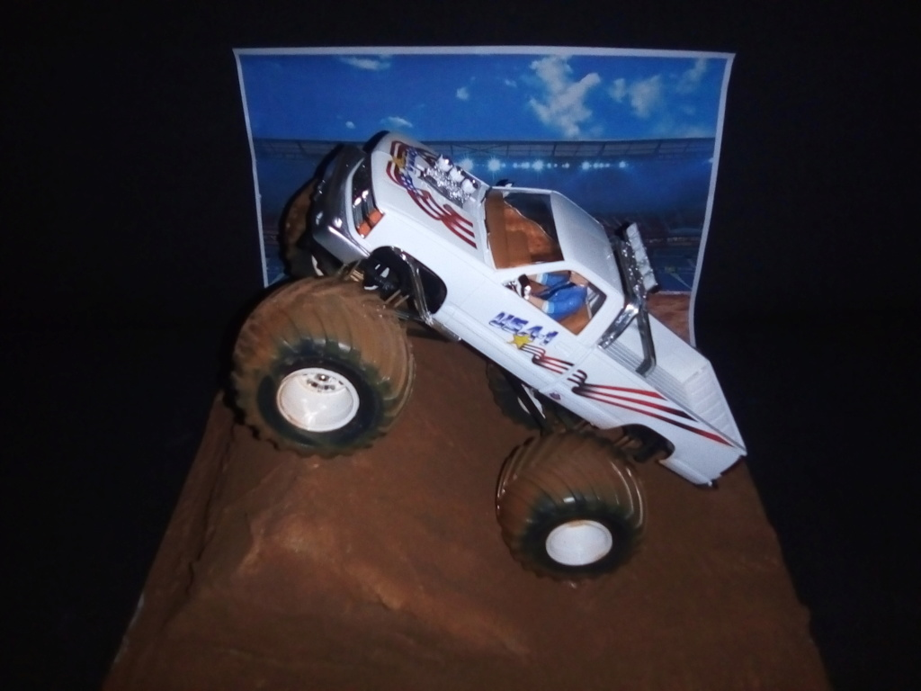 usa 1 Monster truck amt 1/25 - Page 2 Img_2132