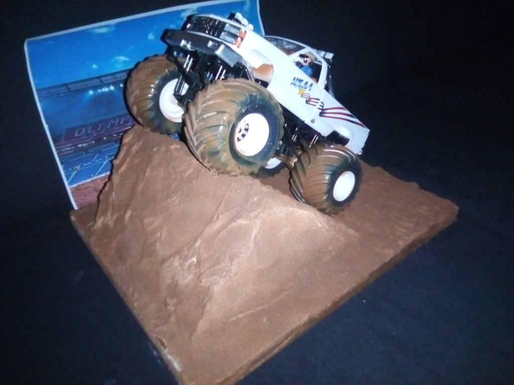 usa 1 Monster truck amt 1/25 - Page 2 Img_2134
