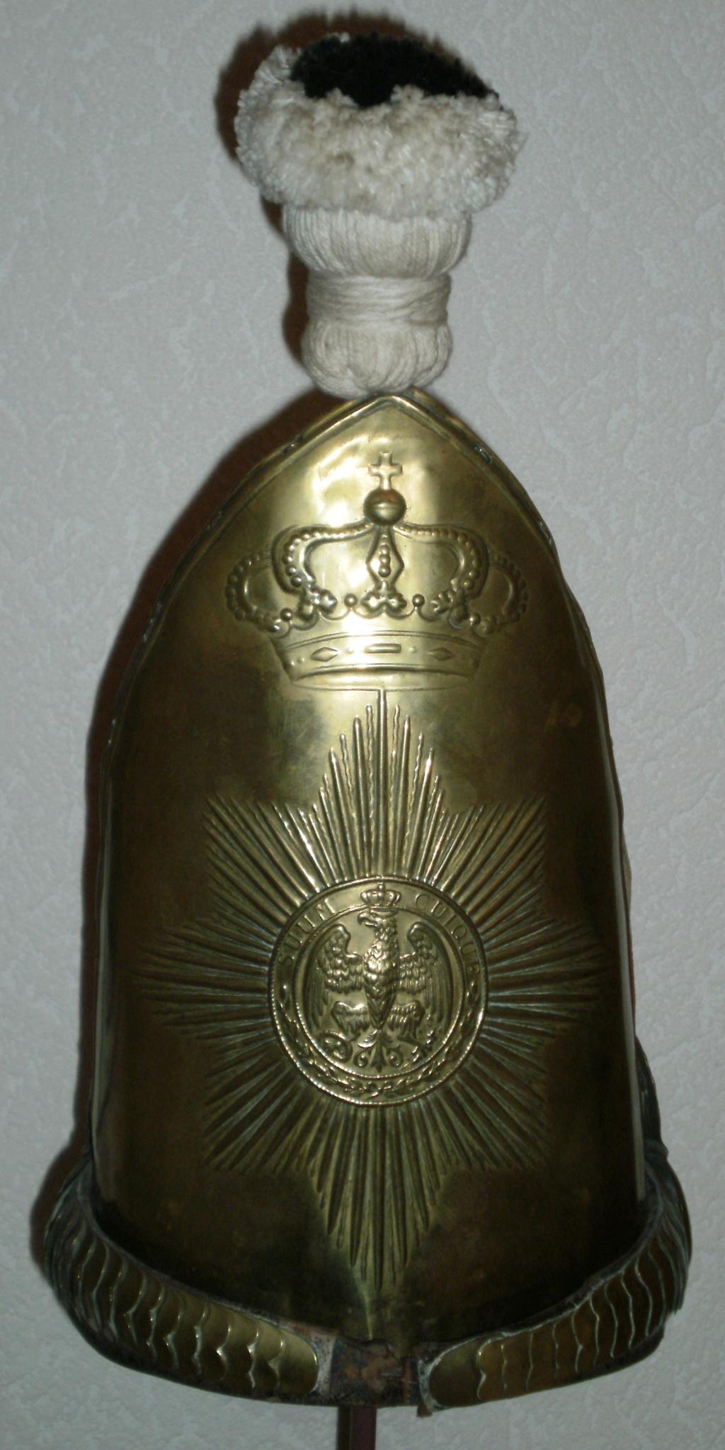 casques du 1er régiment de grenadiers de la garde  1_511