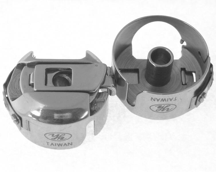 Les aiguilles de remplacement : 15x1 = 130/705H  et boitier de canette de remplacement 3d878a10