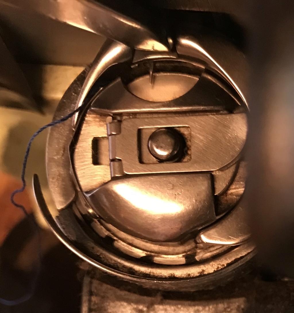 Les aiguilles de remplacement : 15x1 = 130/705H  et boitier de canette de remplacement 7731ba10