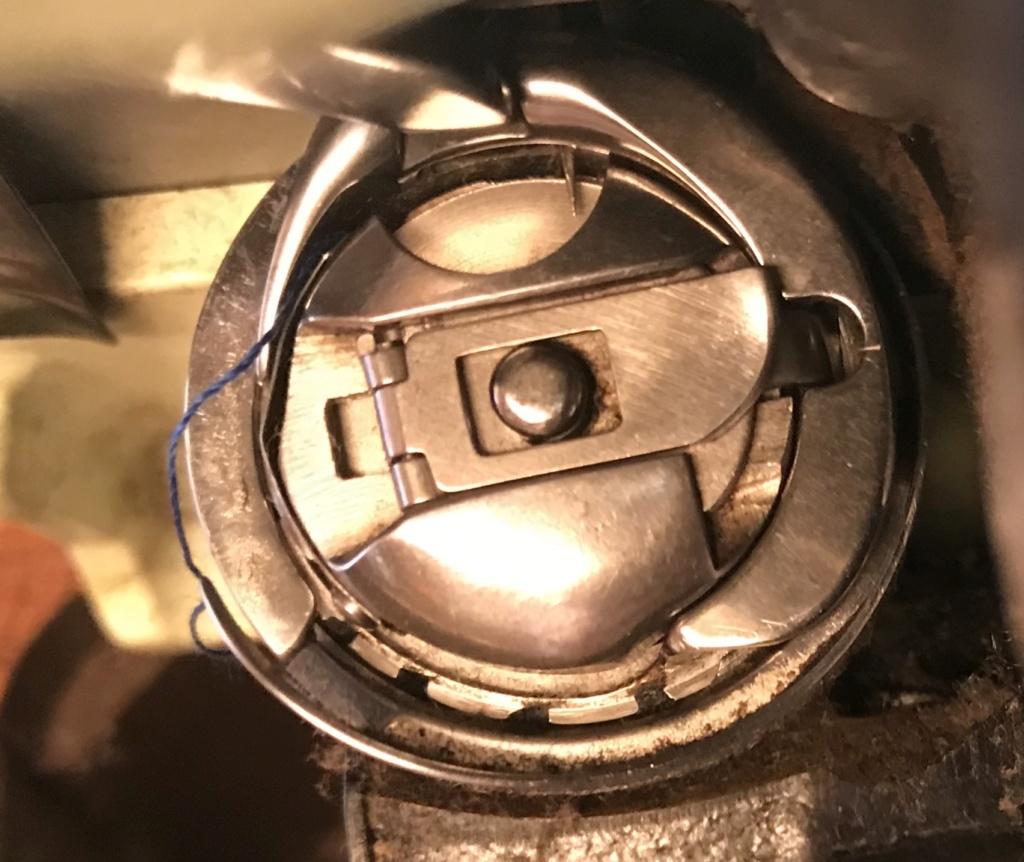 Les aiguilles de remplacement : 15x1 = 130/705H  et boitier de canette de remplacement B5141a10