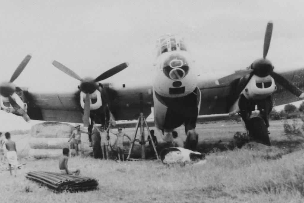 [Les anciens avions de l'aéro] Les bons vieux Lanc de l'Aéronavale ! - Page 8 9-196310