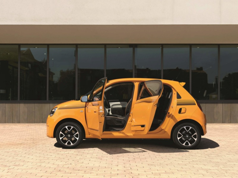 2018 - [Renault] Twingo III restylée - Page 7 021b0d10