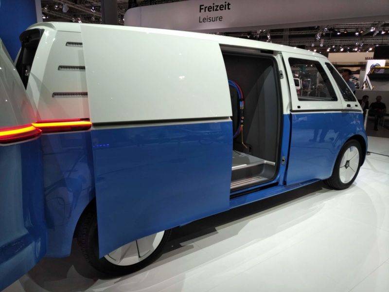 2017 - [Volkswagen] Electric VW Microbus concept - Page 2 05e5d910