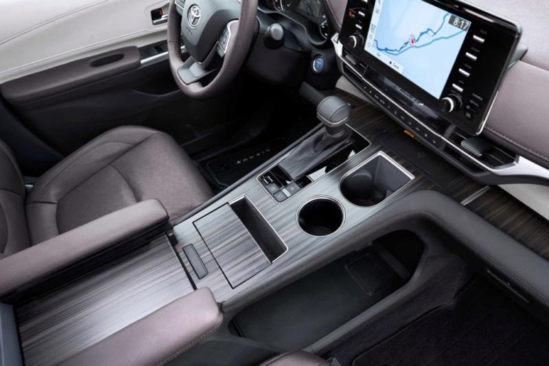 2020 - [Toyota] Sienna  099eed10