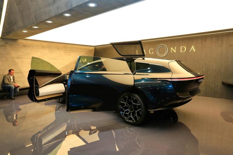 2018 - [Aston Martin] Lagonda Vision Concept  - Page 2 10947210