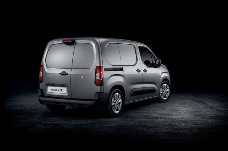 2018 - [Peugeot/Citroën/Opel] Rifter/Berlingo/Combo [K9] - Page 38 13a6f810