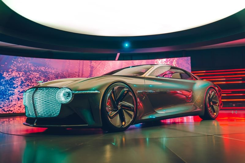 2019 - [Bentley] EXP 100 GT Concept 17f35410