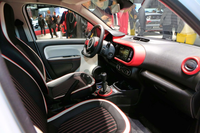 2018 - [Renault] Twingo III restylée - Page 12 1ce23d10