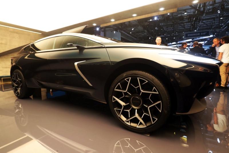 2018 - [Aston Martin] Lagonda Vision Concept  - Page 2 1e76eb10