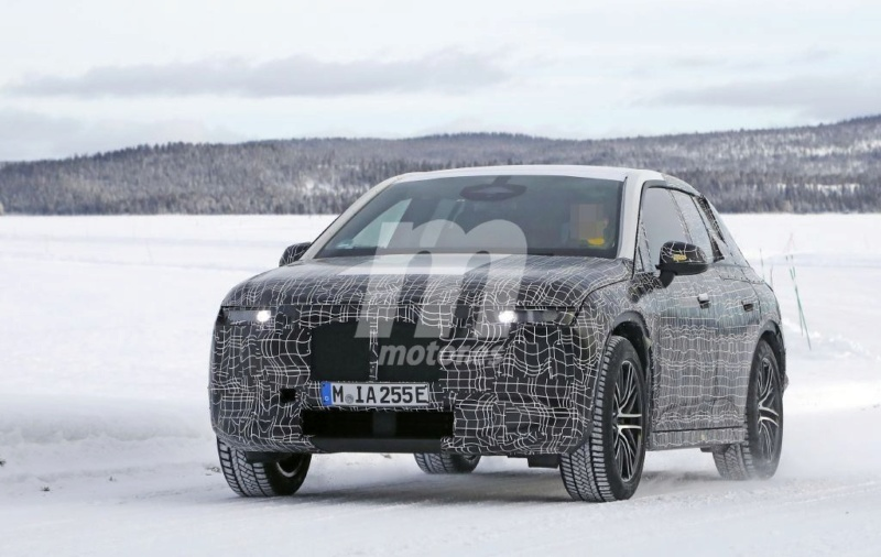 2021 - [BMW] iNext SUV 210
