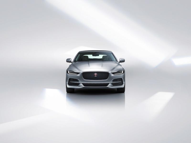 2019 - [Jaguar] XE restylée  22904b10