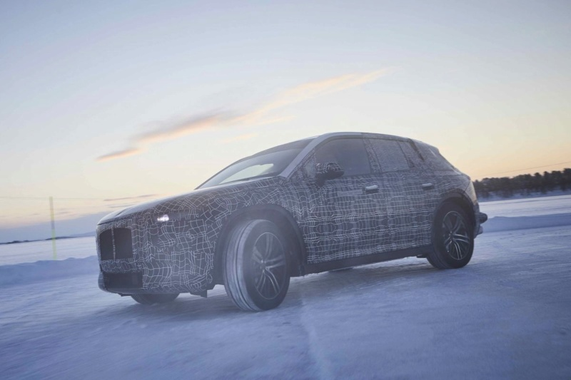 2021 - [BMW] iNext SUV 2555ce10