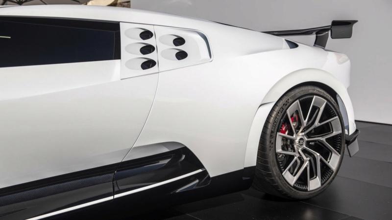 2019 - [Bugatti] Centodieci 2adfd810